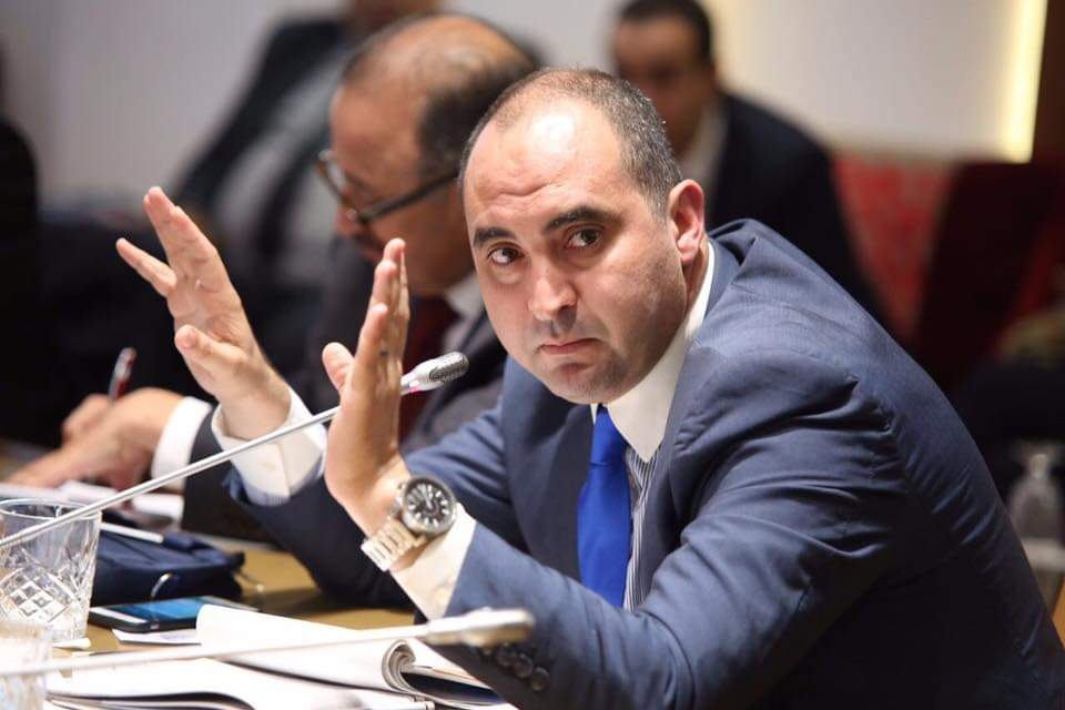 خالد أدنون: صراع الأدوار بين السياسي والإعلامي